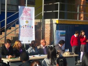 Los niños y las niñas tuvieron la palabra en la firma del Pacto de Movilidad segura.